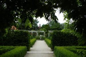 zahradni-dvur-listen-003